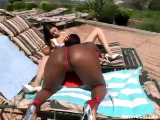 Open-air interracial lesbian sex under be transferred to hot full view